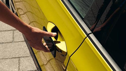 volkswagen-golf-variant-digital-key
